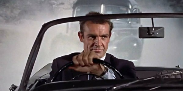 Sean-Connery-James-Bond-driving